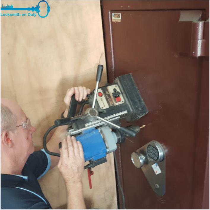 Professional Locksmith for lock repair