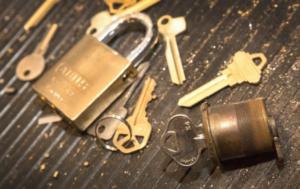 24 hours locksmith service