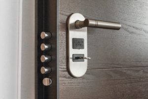 Dealing with a Professional Locksmith