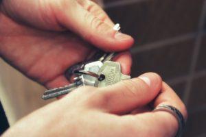 Experienced locksmith
