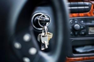 Installing a steering wheel lock